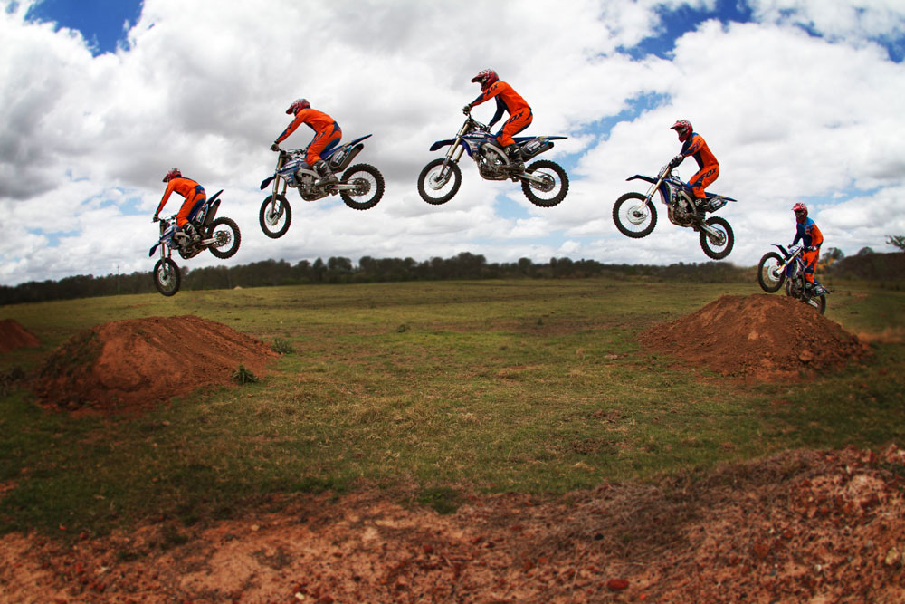 Dirt Bikes Jumping Motocross Riding Tip JUMPING