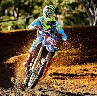 Jay Wilson extends his MX2 lead