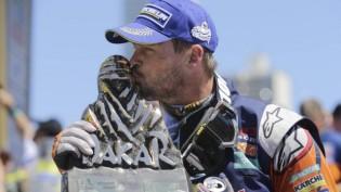 Price celebrates his Dakar win - Photo Jorge Saenz
