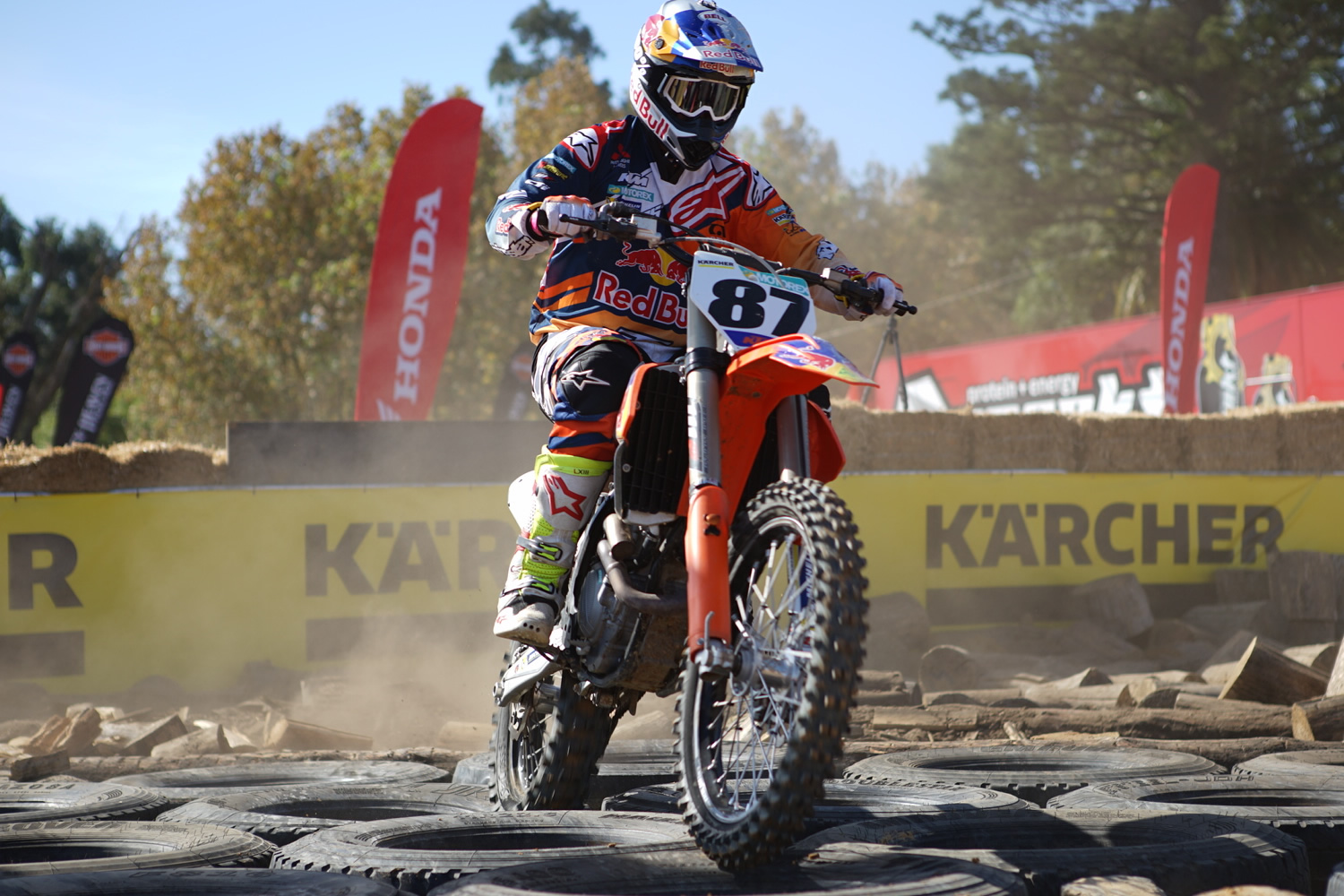 Price Scores Double Podium at Clipsal 500 - Dirt Action